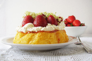 Sponge with Strawberries